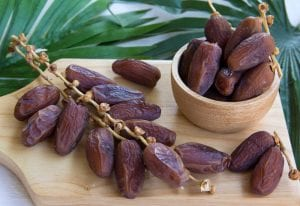 Eating Dates During Late Pregnancy for Labor Induction