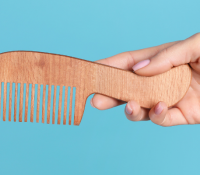 How a Comb May Help Relieve Labor Pain